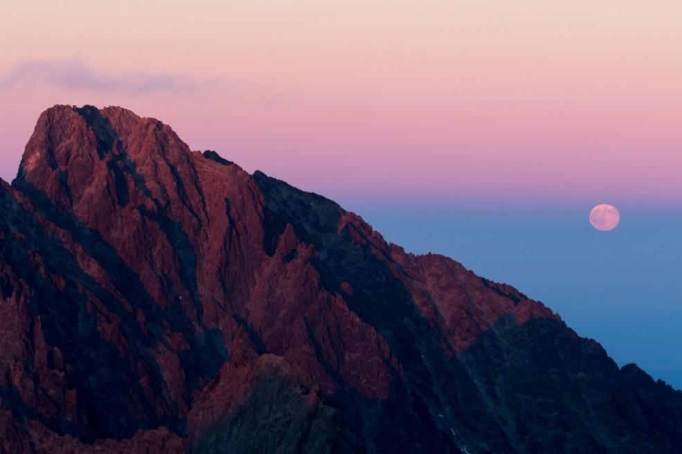 Full moon rising over Gerlachovský štít